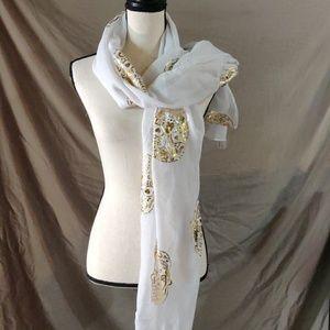Charming Charlie Skull scarf 🧣